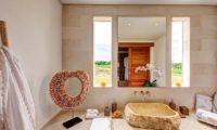 Abaca Villas Bathroom, Petitenget | 6 Bedroom Villas Bali