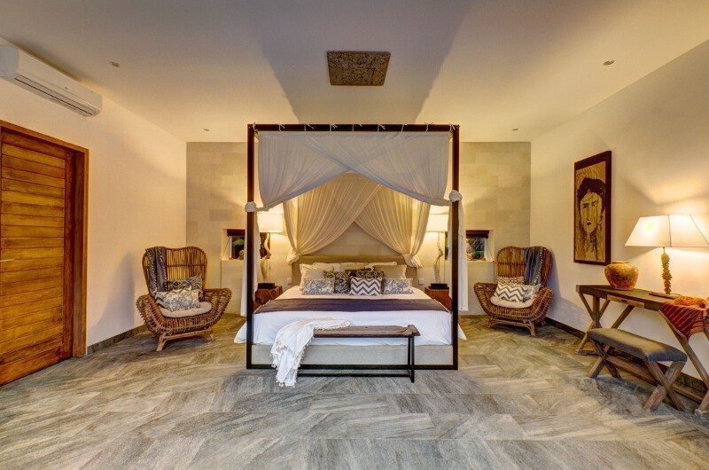 Abaca Villas Bedroom with Seating Area, Petitenget | 6 Bedroom Villas Bali