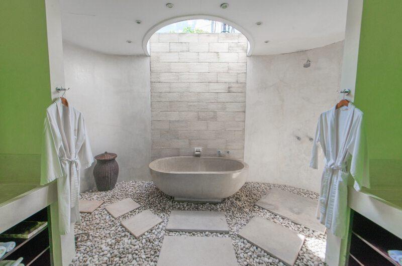 Casa Mateo Semi Open Bathtub, Seminyak | 6 Bedroom Villas Bali