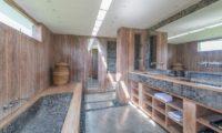 Casa Mateo His and Hers Bathroom with Bathtub, Seminyak | 6 Bedroom Villas Bali