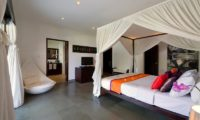Chalina Estate Four Poster Bed with Seating Area, Canggu | 6 Bedroom Villas Bali