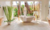 Lataliana Villas Semi Open Bathtub, Seminyak   6 Bedroom Villas Bali