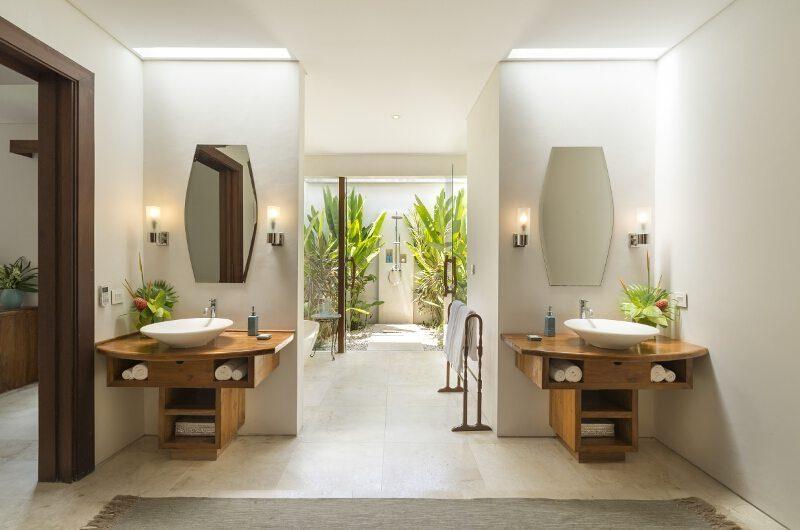 Lataliana Villas His and Hers Bathroom with Bathtub, Seminyak | 6 Bedroom Villas Bali