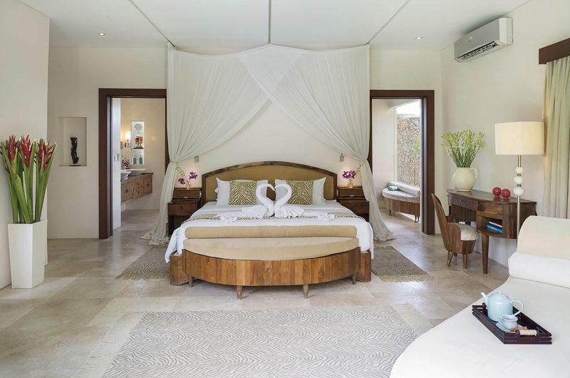 Lataliana Villas Bedroom with En-Suite Bathroom, Seminyak | 6 Bedroom Villas Bali