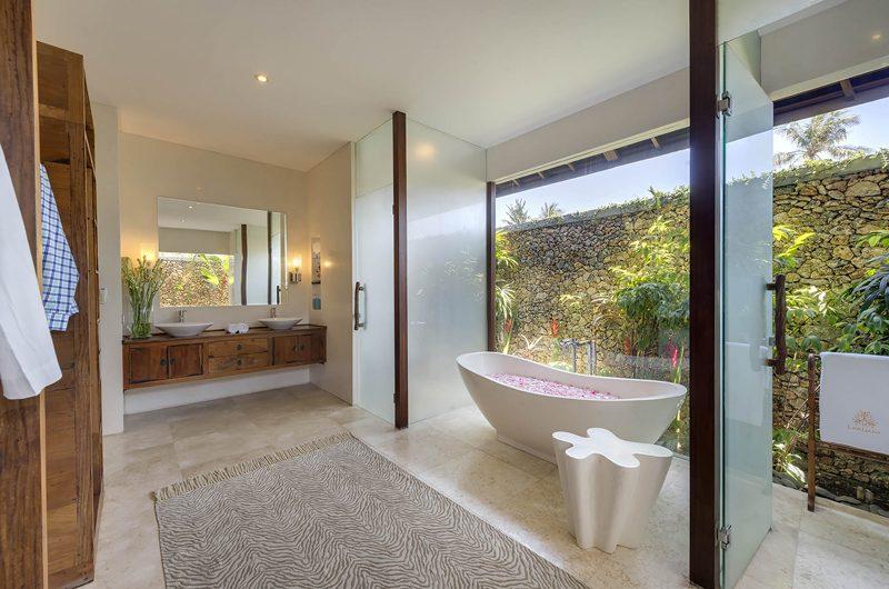 Lataliana Villas Romantic Bathtub Set Up, Seminyak | 6 Bedroom Villas Bali