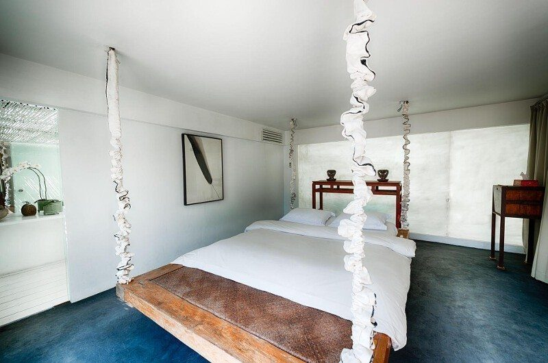Morabito Art Villa Bedroom with Mirror, Canggu | 6 Bedroom Villas Bali