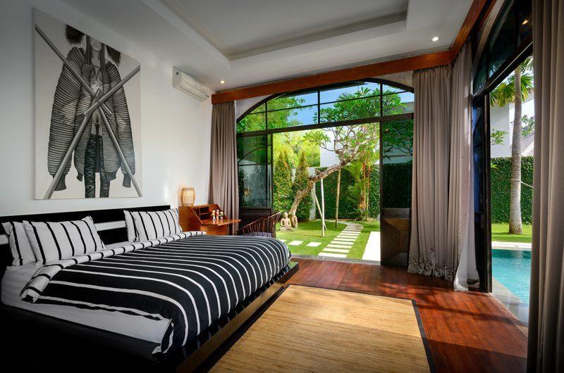 Niconico Mansion Pool Side Bedroom, Petitenget   6 Bedroom Villas Bali