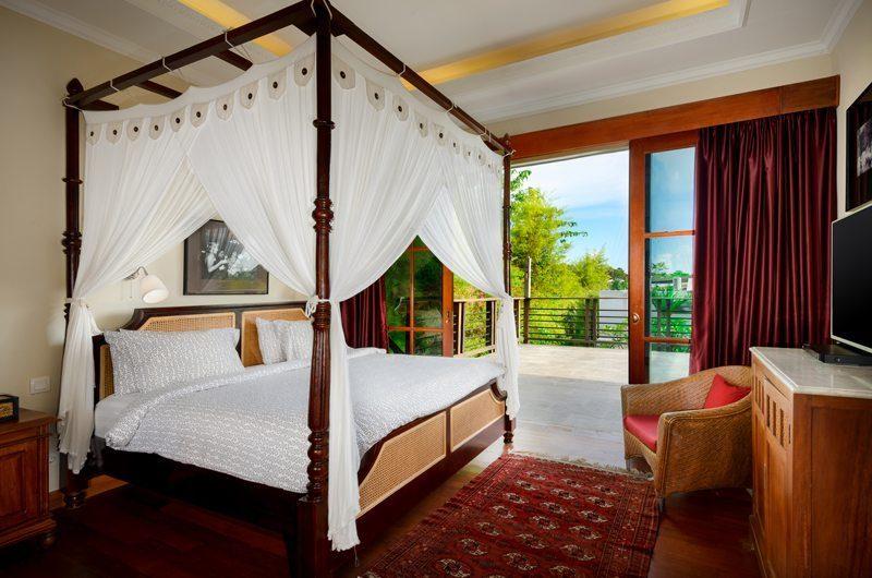 Niconico Mansion Bedroom and Balcony, Petitenget   6 Bedroom Villas Bali
