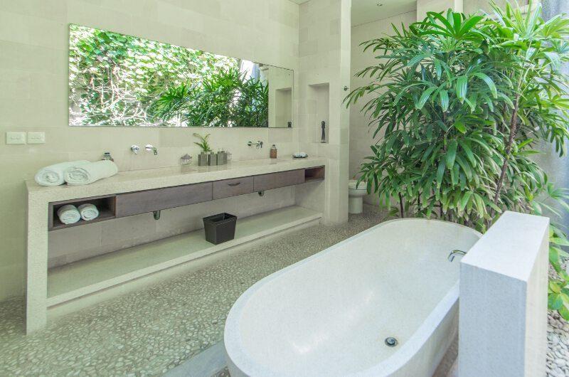 Nyaman Villas His and Hers Bathroom, Seminyak | 6 Bedroom Villas Bali