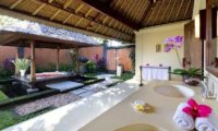 Impiana Cemagi En-Suite Bathroom with Romantic Bathtub Set Up, Seseh | 6 Bedroom Villas Bali