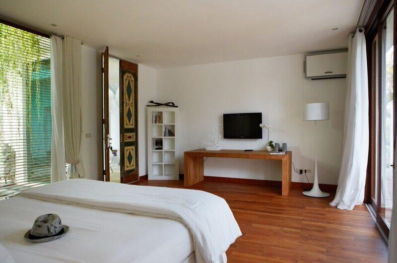 Pure Villa Bali Bedroom with Wooden Floor, Canggu | 6 Bedroom Villas Bali
