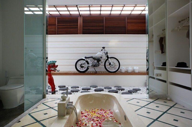 Pure Villa Bali En-Suite Bathroom, Canggu | 6 Bedroom Villas Bali