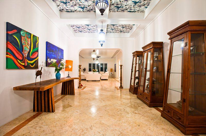 Puri Nirwana Entrance Lobby, Gianyar   6 Bedroom Villas Bali