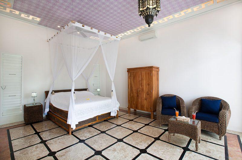 Puri Nirwana Four Poster Bed with Seating Area, Gianyar   6 Bedroom Villas Bali