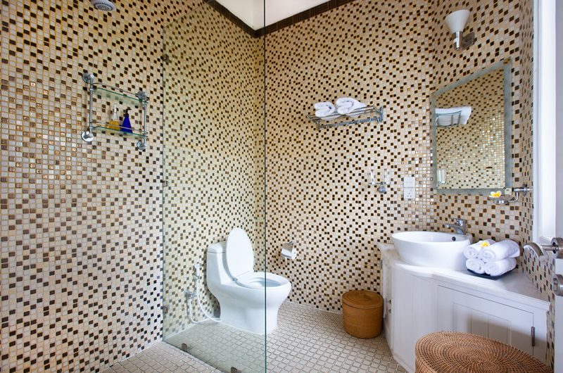 Puri Nirwana Bathroom with Shower, Gianyar   6 Bedroom Villas Bali