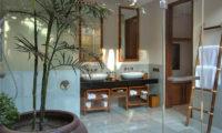 Seseh Beach Villas His and Hers Bathroom, Seseh | 6 Bedroom Villas Bali