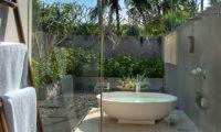 Seseh Beach Villas Open Plan Bathtub, Seseh | 6 Bedroom Villas Bali