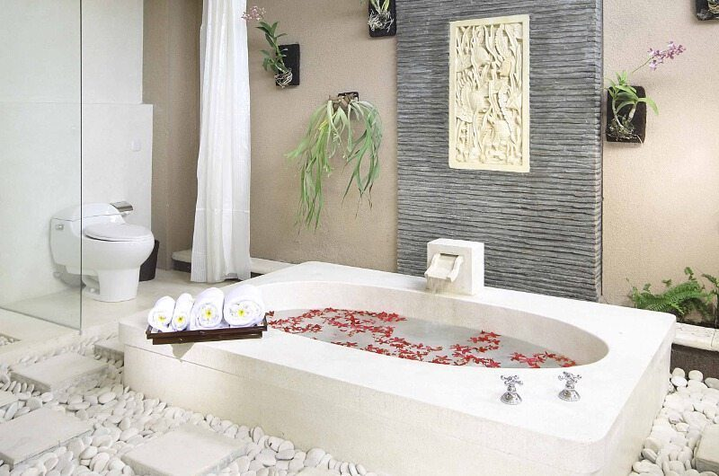 The Bli Bli Villas Bathroom with Bathtub, Seminyak | 6 Bedroom Villas Bali