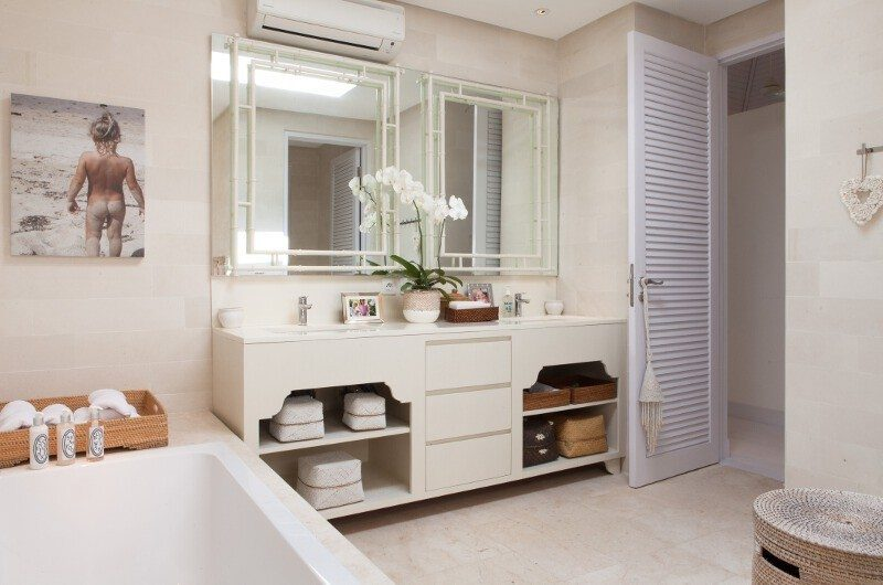 The Cotton House Bathroom with Bathtub, Seminyak | 6 Bedroom Villas Bali