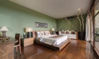 The Longhouse Bedroom with Wooden Floor, Jimbaran | 6 Bedroom Villas Bali