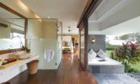 The Longhouse Bedroom and En-Suite Bathroom, Jimbaran | 6 Bedroom Villas Bali