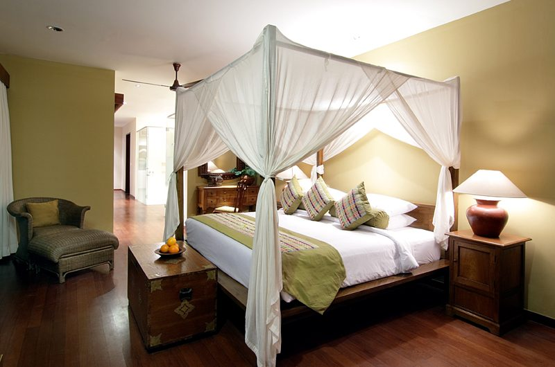 The Longhouse Four Poster Bed, Jimbaran | 6 Bedroom Villas Bali
