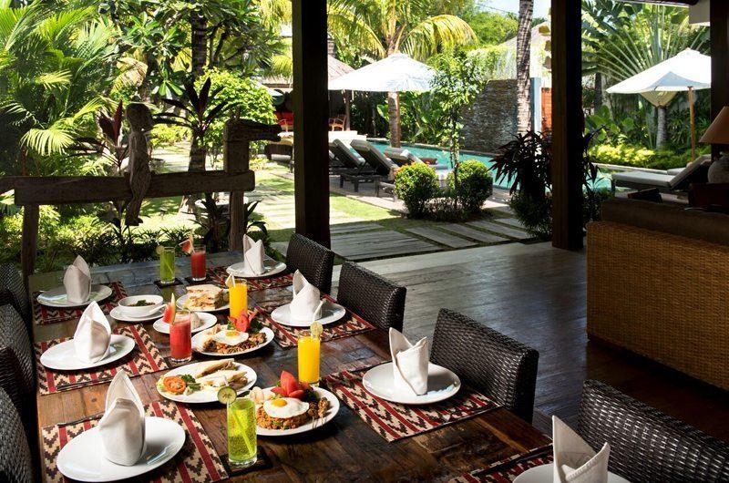 Villa Abakoi Outdoor Dining, Seminyak   6 Bedroom Villas Bali