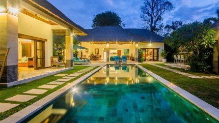 Villa Alore Pool at Night, Seminyak | 6 Bedroom Villas Bali