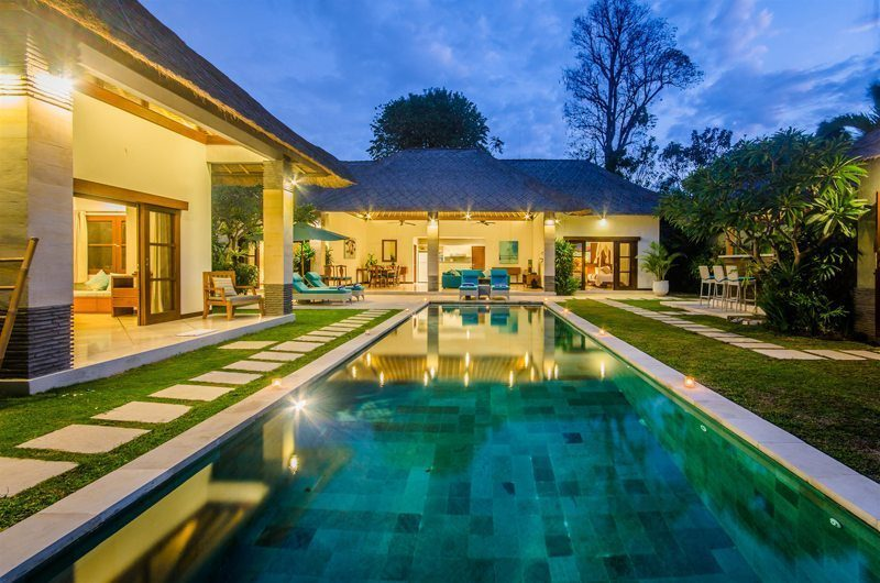 Villa Alore Pool at Night, Seminyak | 6 Bedroom Villas Bali