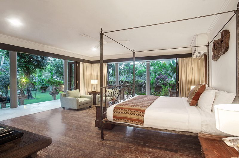 Villa Avalon Bali Bedroom with Seating Area, Canggu | 6 Bedroom Villas Bali