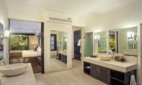 Villa Avalon Bali Bathroom with Mirror, Canggu | 6 Bedroom Villas Bali