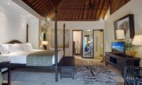 Villa Avalon Bali Four Poster Bed with TV, Canggu | 6 Bedroom Villas Bali