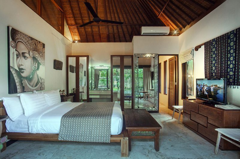Villa Avalon Bali Bedroom with TV, Canggu | 6 Bedroom Villas Bali