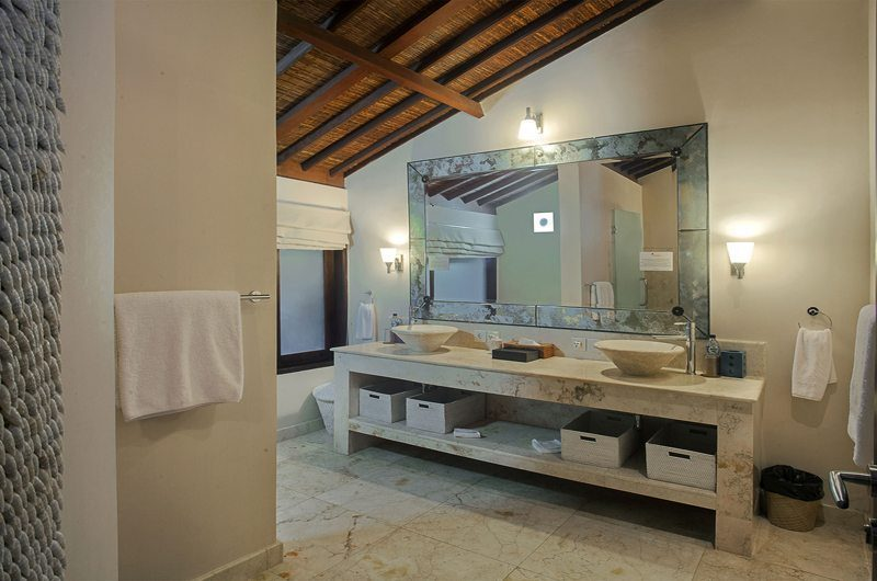 Villa Avalon Bali His and Hers Bathroom, Canggu | 6 Bedroom Villas Bali