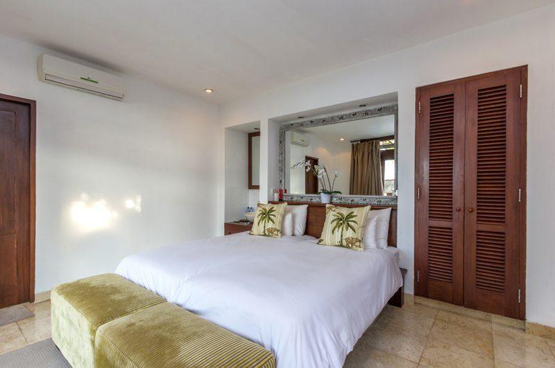 Villa Bayu Bedroom with Seating Area, Uluwatu | 6 Bedroom Villas Bali
