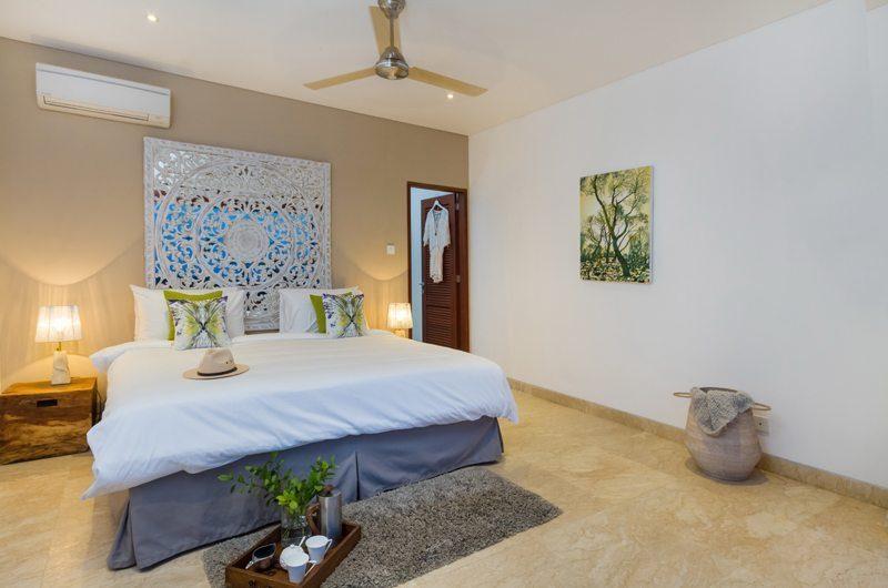 Villa Bayu Spacious Bedroom with Table Lamps, Uluwatu | 6 Bedroom Villas Bali