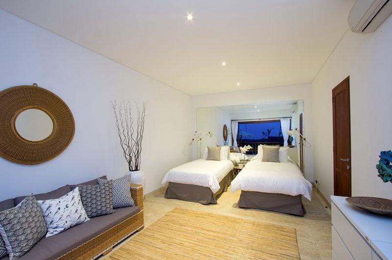 Villa Bayu Twin Bedroom with Sofa, Uluwatu | 6 Bedroom Villas Bali