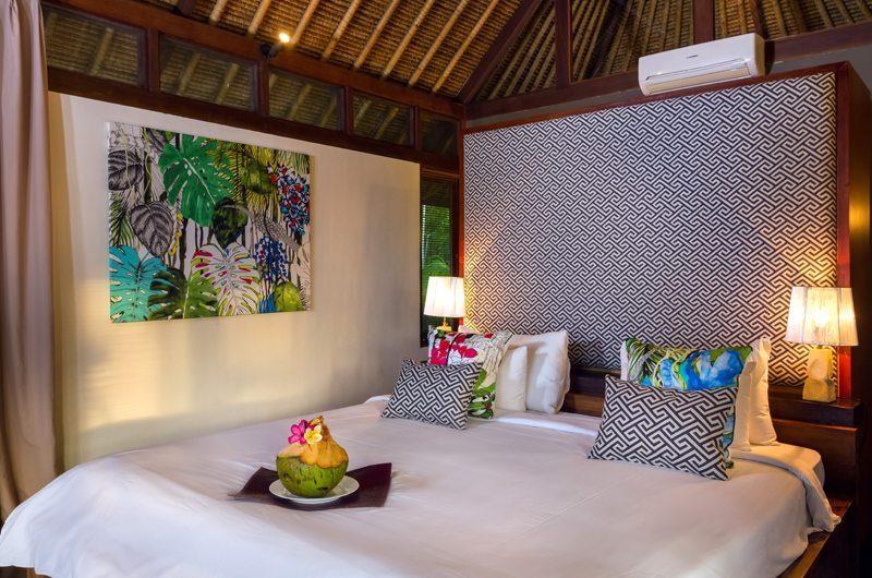 Villa Bayu Bedroom with Table Lamps, Uluwatu | 6 Bedroom Villas Bali