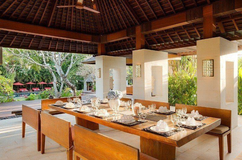 Villa Beji Dining Area, Canggu | 6 Bedroom Villas Bali