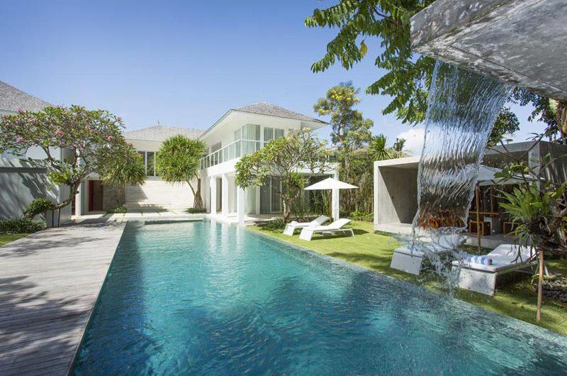 Villa Canggu Pool with Water Features, Canggu   6 Bedroom Villas Bali