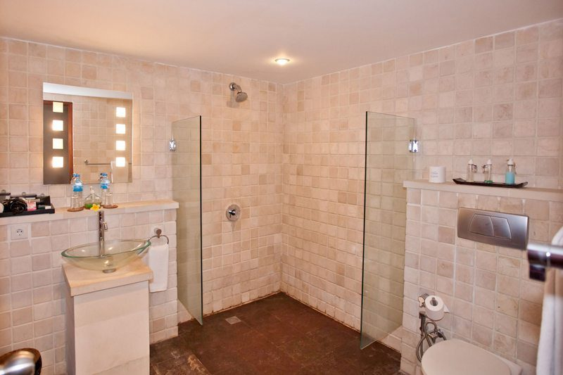 Villa Casis Bathroom with Shower, Sanur | 6 Bedroom Villas Bali