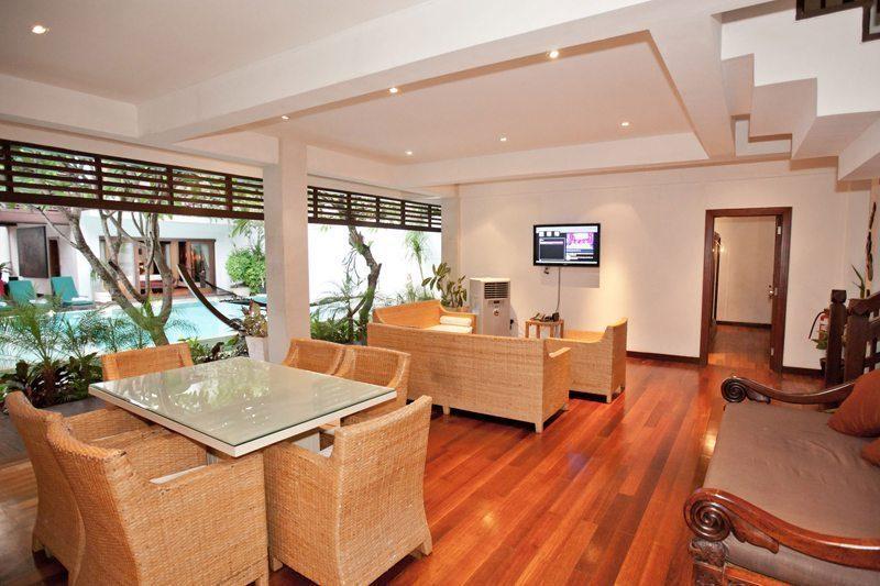 Villa Casis Living and Dining Area, Sanur | 6 Bedroom Villas Bali