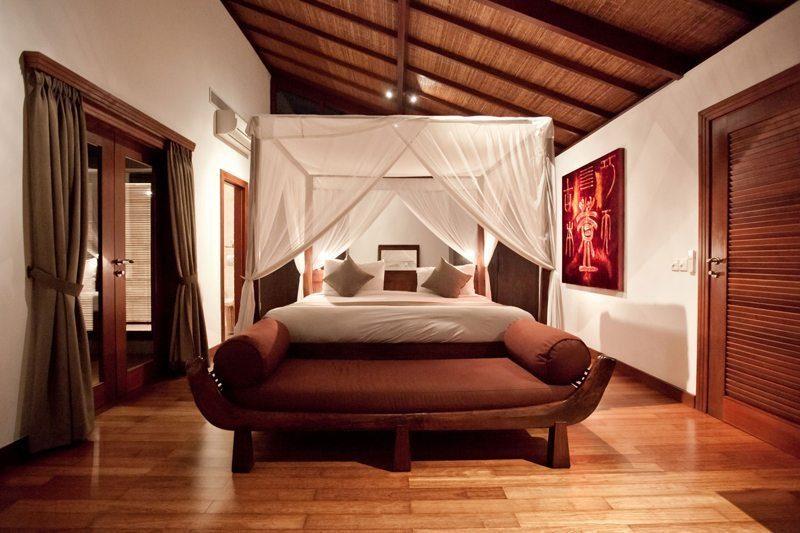 Villa Casis Bedroom with Wooden Floor, Sanur | 6 Bedroom Villas Bali