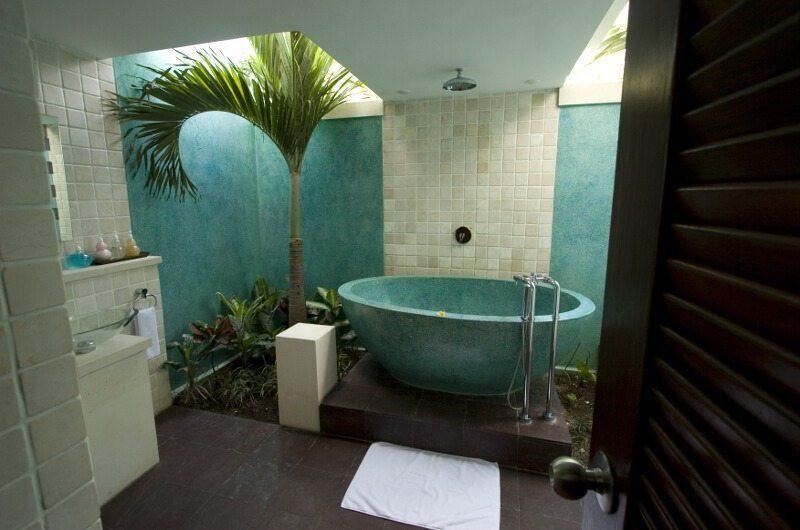 Villa Casis Bathtub, Sanur | 6 Bedroom Villas Bali
