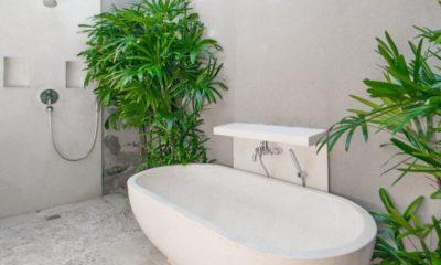 Villa Chocolat Bathtub, Seminyak | 6 Bedroom Villas Bali