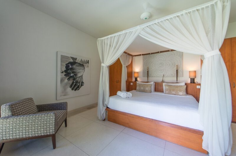 Villa Chocolat Four Poster Bed with Seating Area, Seminyak | 6 Bedroom Villas Bali