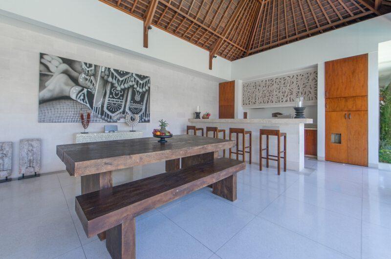 Villa Chocolat Dining Area, Seminyak   6 Bedroom Villas Bali
