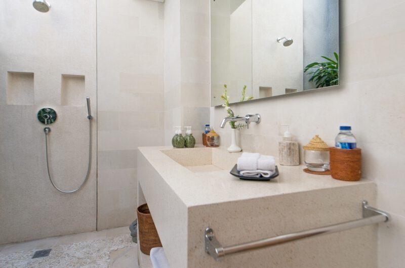 Villa Chocolat Bathroom with Shower, Seminyak   6 Bedroom Villas Bali