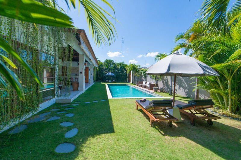 Villa Chocolat Sun Loungers, Seminyak   6 Bedroom Villas Bali