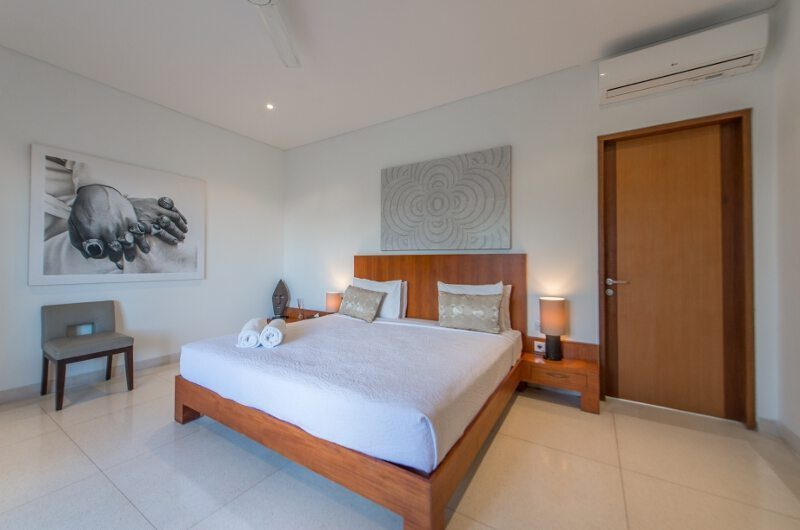 Villa Chocolat Bedroom with Seating Area, Seminyak | 6 Bedroom Villas Bali